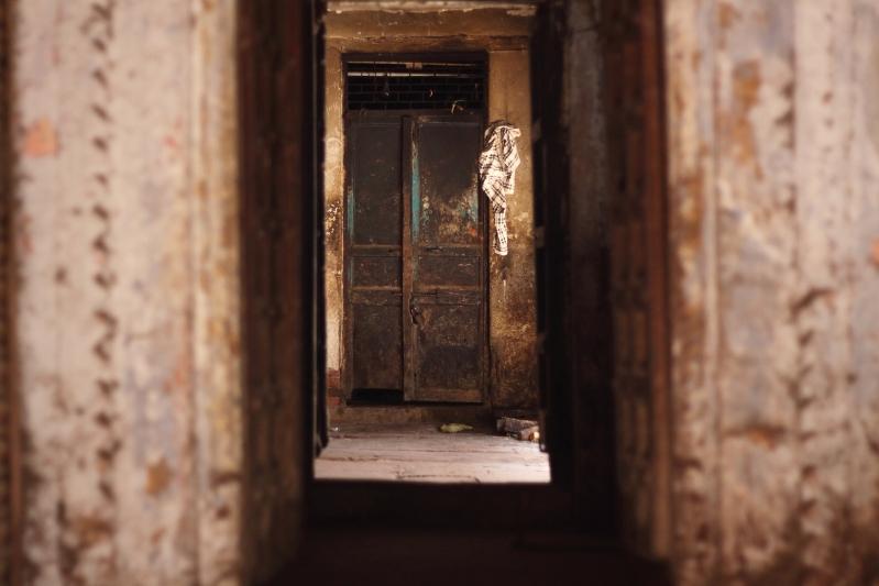 IMG_7123_Varanasi_oldtown_door